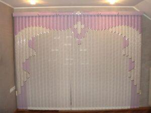 Приклад робіт Жалюзі вертикальні мультифактурні Врата рожеві